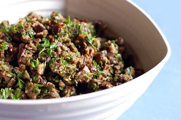 Preparación de Cocina Caviar Vegano Berenjenas