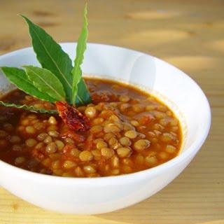 Sopa de lentejas en tomate